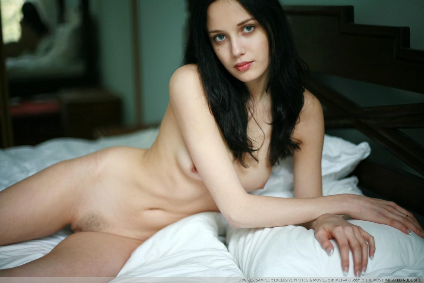 Sexy Naked Black Headed Girls