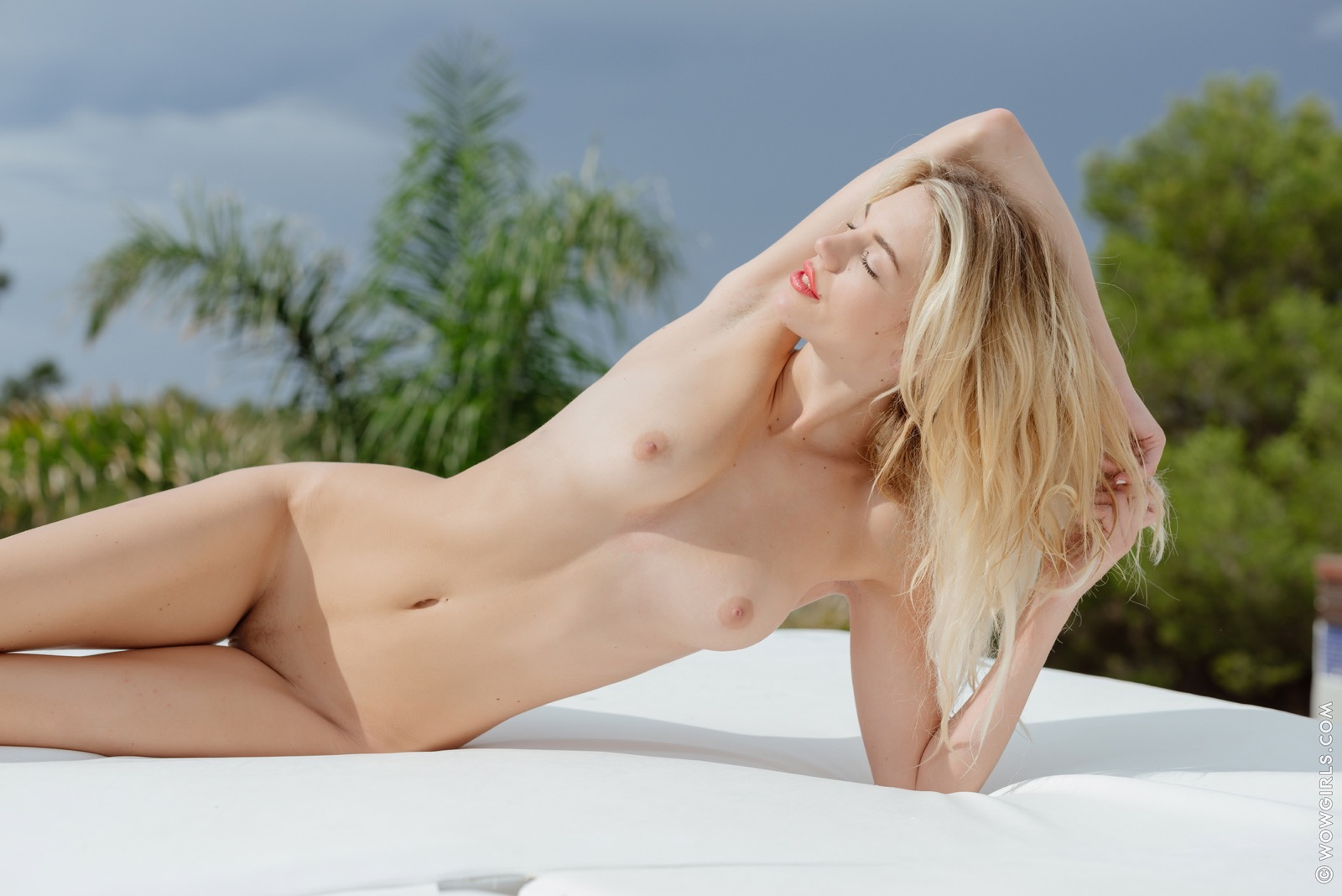 Naked Wow Girls