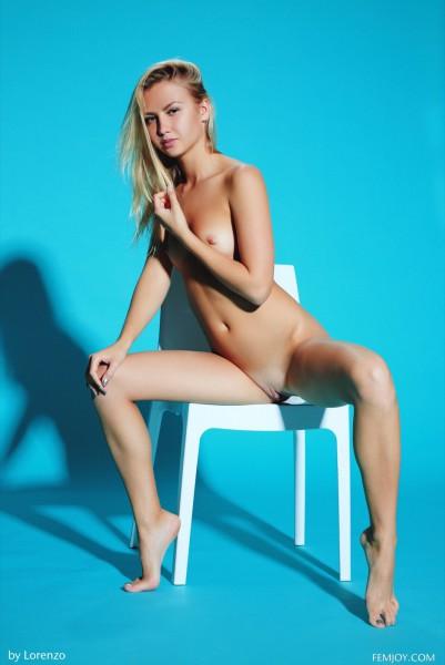 Hella G nude photo 10