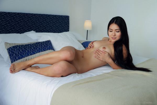 Horny and twerking - kimiko_20_44998_2.jpg