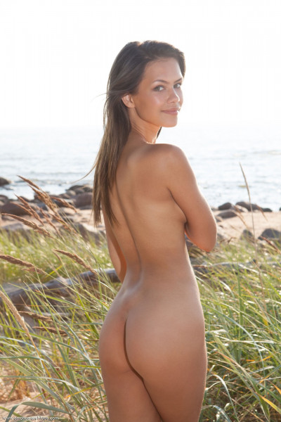 Sexy Hairy Pussy - laina_21_39875_4.jpg