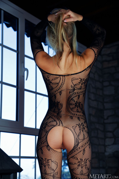 Casual Bottomless Girls - mya_24_07890_4.jpg