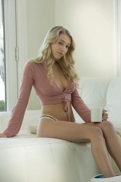 Riley Anne nude photo 1