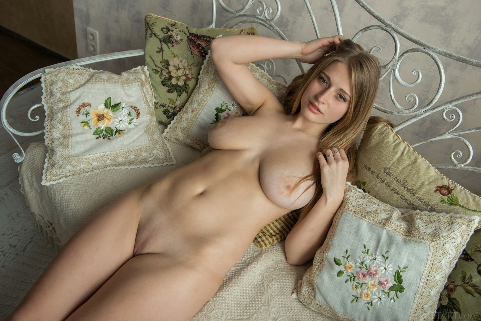 Sexy Blonde Feeona