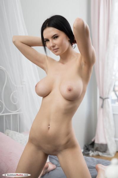Simon nude photo 5