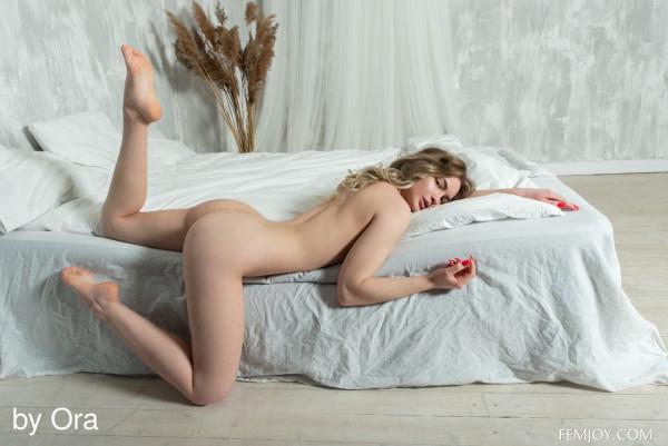 Sophie nude photo 14