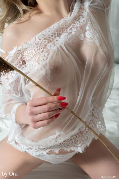 Sophie nude photo 4