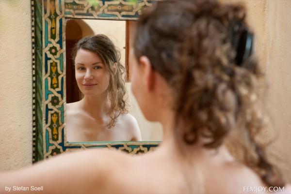 Susann nude photo 8