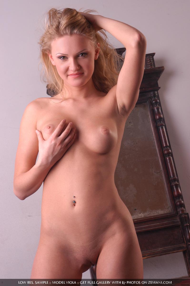 Viola nude